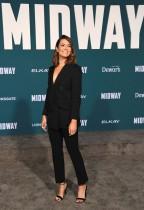الممثلة ماندي مور خلال حضورها العرض الأول لفيلم «منتصف الطريق» في لوس أنجلوس، كاليفورنيا. رويترز