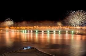 رأس الخيمة تستقبل رأس السنة الجديدة بعرض مذهل للألعاب النارية وباقة من الأنشطة العائلية
