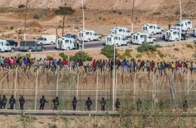 وزير فرنسي يدعو لمساعدة الجزائر والمغرب لكبح المهاجرين