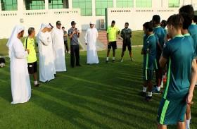 إدارة الإمارات تجتمع بفريق الرديف وتشيد بانضباطهم وتميزهم