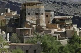 فنادق الطين مقصد سياحي في قرية عمانية