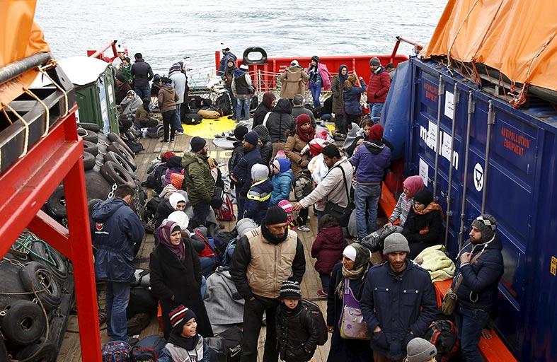 برلين تشدد شروط لم شمل اللاجئين