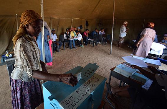 انتخابات في بوتسوانا تختبر الحزب الحاكم