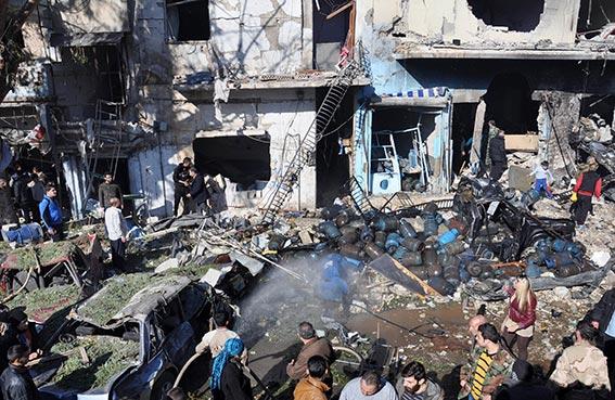 عشرات الضحايا بتفجير سيارة مفخخة في حمص