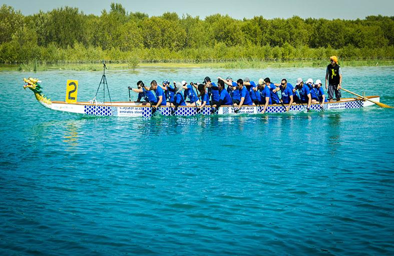 منتجع بن ماجد برأس الخيمة يحتضن مهرجان سباق قوارب التنين الأول
