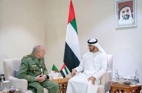 محمد بن زايد يستقبل رئيس أركان الجيش الوطني الجزائري المشارك في يومكس وسيمتكس 2020