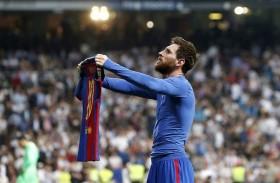 ميسي يمدد عقده مع برشلونة 5 سنوات