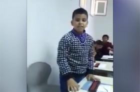 طفل يتحدى الآلة الحاسبة ويذهل الجميع