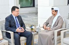 منصور بن زايد يستقبل وزير الطاقة الكازاخي