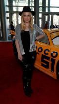 """الفنانة زز وارد خلال حضورها العرض الأول لـ """"سيارات 3"""" في مركز المؤتمرات في كاليفورنيا.  (رويترز)"""