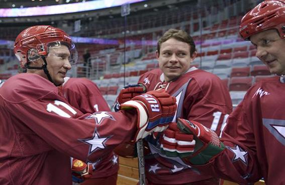 بوتين ولوكاشينكو يفوزان بمباراة هوكي