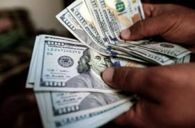 الدولار يرتفع قبل كلمة رئيس مجلس الاحتياطي الاتحادي