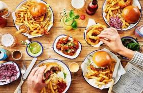 7 أطعمة تجنبك الكسل والرغبة في النوم بعد الغداء
