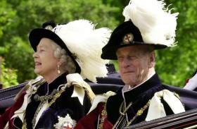 المملكة المتحدة: سنة مروعة للملكة إليزابيث الثانية