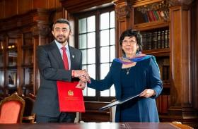 الإمارات وكولومبيا توقعان اتفاقية الإعفاء المتبادل من تأشيرة الدخول بين البلدين