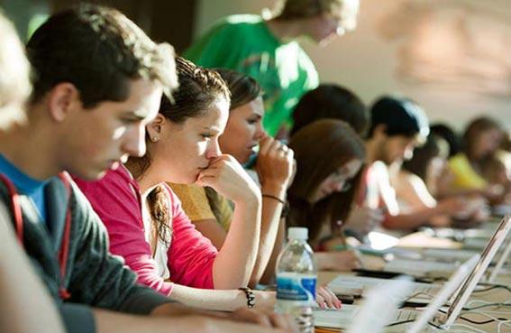 تلاميذ كولورادو يفشلون في الاختبارات الإلزامية