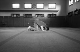 هل يحرص الإنسان على منزلته عند الله ؟