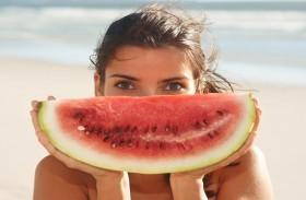 وصفات من البطيخ  لترطيب بشرتكِ