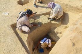 هيئة الشارقة للآثار تواصل عمليات التنقيب الأثري بالتعاون مع عدد من البعثات الأجنبية