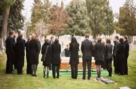 تحضر الجنازات للحصول على الطعام