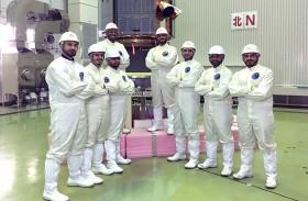 فريق عمل من مركز محمد بن راشد للفضاء في اليابان للوقوف على جاهزية «خليفة سات»