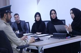 اجتماعية الشارقة تستقبل وفداً من شرطة دبي للاطلاع على خبراتها في خدمة المجتمع