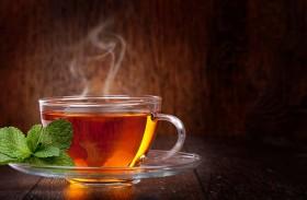 الشاي الساخن يصيبكم بسرطان المريء