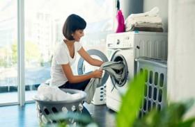 فوائد غسل الملابس بماء بارد