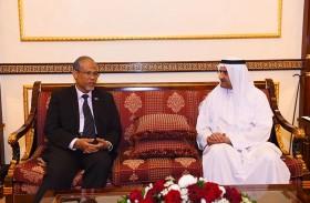 حاكم الفجيرة يستقبل وزيرين بلجيكي وسنغافوري ورئيس الوزراء الأردني الأسبق