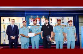 شرطة الشارقة تحصل على شهادة من فرقة الرد الفرنسية في مجال K9