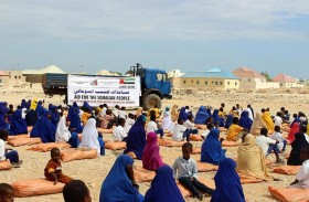 «خليفة الإنسانية» توزع 60 طنا من التمور في الصومال