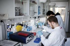 الصحة العالمية تدعو لتعاون دولي لهزيمة الفيروس