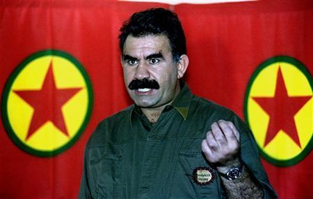 أوجلان يطالب بحل قضية مقتل الكرديات
