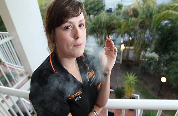 ألمانيا تمنع التدخين على شرفات المنازل